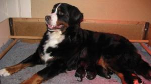 Vilja met haar kinderen.